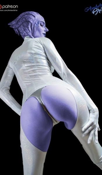 Asari Dancer by amberbrite.deviantart.com